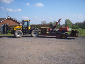 Equifence with fencing machinery