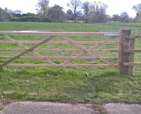Stockdale Fencing | Wooden Fencing | Gate