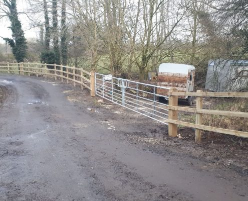 Stockdale Fencing | Newt Fencing | Wooden Fence and Metal Gate